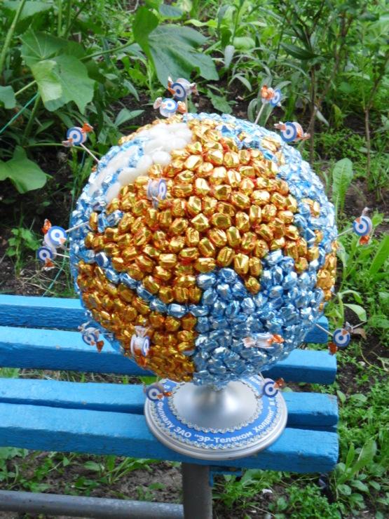 Поделка глобус из макарон 8