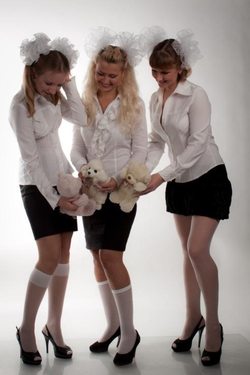 прически для школьницы с бантами