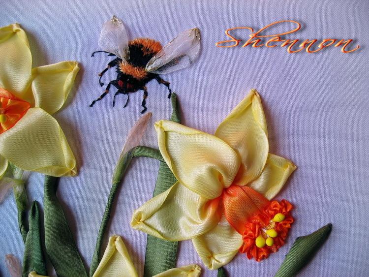 Вышивка объемных цветов из лент